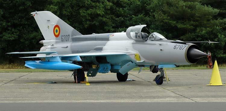 Самолет МИГ 21