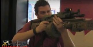 В видеоблоге YouTube появилась запись, на которой демонстрируется реальный автомат DoubleStar Zombie-X AK-47, снабженный настоящей цепной пилой с электрическим приводом.