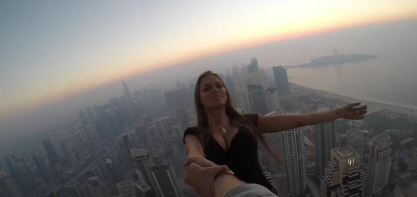 российская модель Виктория Одинцова в Дубаи.