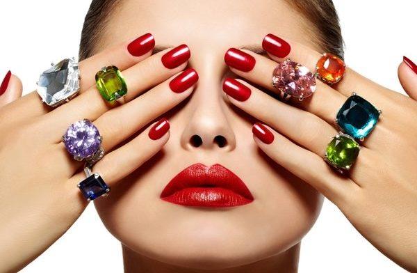 И думать о красе ногтей